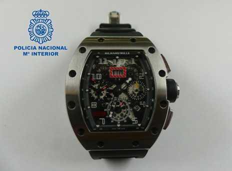 Reloj incautado por la Policía Nacional.