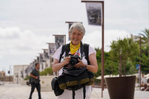 La fotógrafa Martha Cooper, ayer, durante la presentación de su exposición.