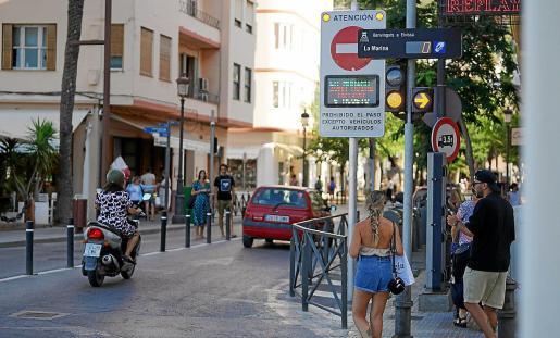 El mes pasado circularon a los barrios de la Marina y Dalt Vila más de 10.000 vehículos.