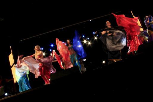 Las bailarinas, ayer durante la demostración que tuvo lugar en Son Amar.