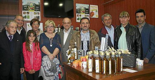 Amador Pastor, Vicenç Sastre, Elvira López, Montse Mundó, María Boter, Tolo Oliver, Miguel Ángel Colom, Toni Pons, Irena Luksevica y Carlos Rullán.