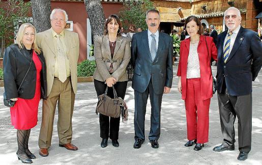 Conchi Martnez, José Cascales, Antonia Estarellas, José Luis Bermúdez, Manoli Pérez y Constantino Cardo.