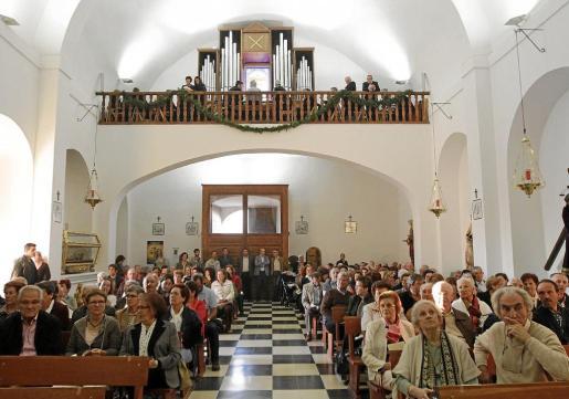 La iglesia de Puig de Missa presentaba una de sus mejores imágenes para acoger la inauguración del nuevo órgano del templo.
