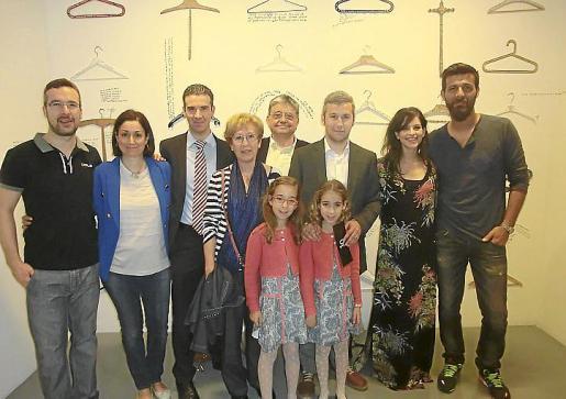 Carlos Reus, Olga Terrón, Miquel Reus, Paquita Méndez, Juan Matemalas, Fran Reus, Ana Maturana, Miki Garró y las niñas Sofía y Olga Reus.