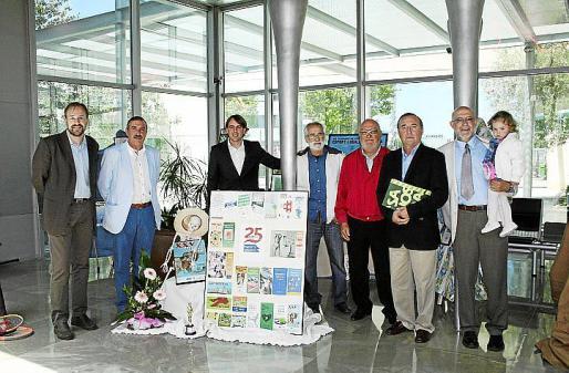 Antoni Serra, Bartolomé Marí, Joan Antoni Ramonell, Tomás Monserrat, Ramon Plana, Jordi Mulet, Mateu Cañellas y la pequeña Marta.