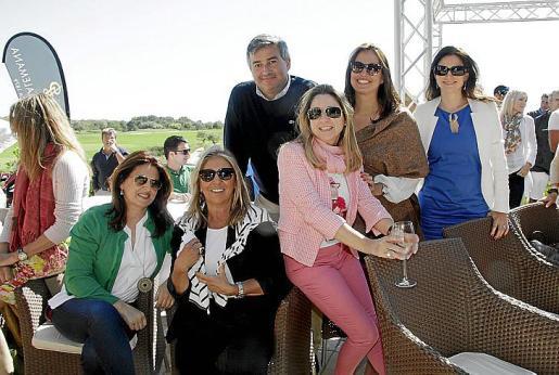 Montse Hernández, Paula Fuster, Alicia Polo, Mª del Mar Soler, Begoña Rodríguez y Fernando Gibaja.