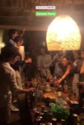 Imagen en redes sociales de una de las fiestas.