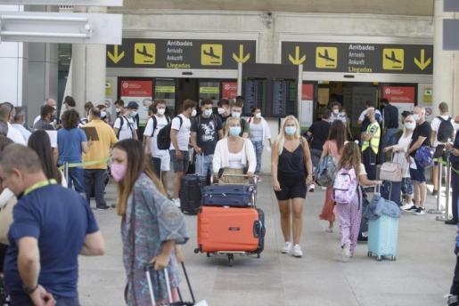 La llegada de turistas está permitiendo reactivar la economía de las Islas.