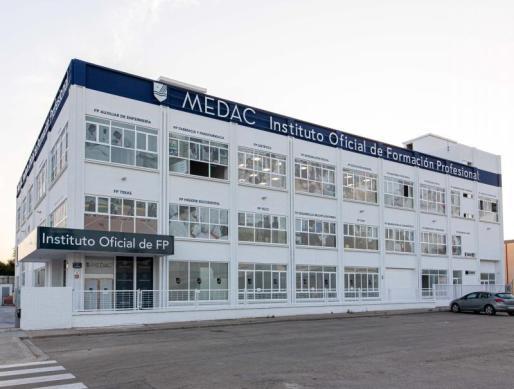 KKR invierte en Medac para crear el grupo líder de formación profesional en España.