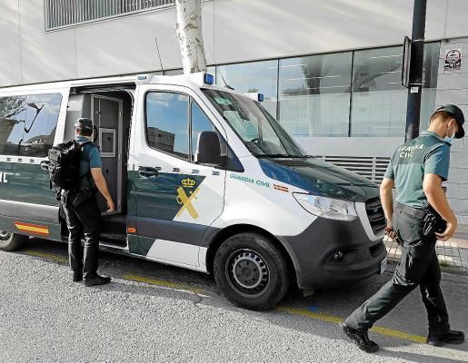 El acusado fue detenido por la Guardia Civil tras la denuncia de los hechos.