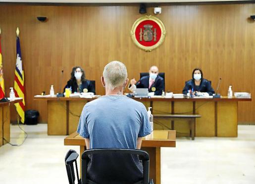 El acusado, de nacionalidad alemana, en la Audiencia de Palma.