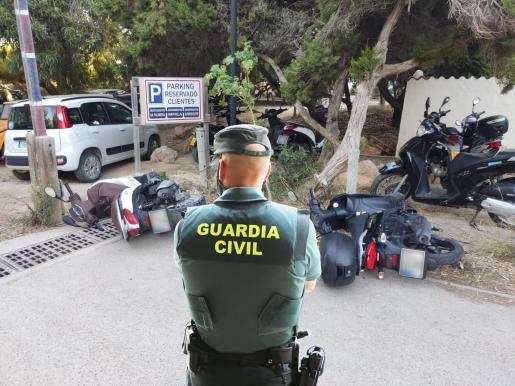 Los vehículos dañados son aproximadamente 50, entre turismos y motos.