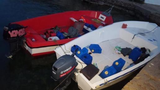 Imagen de archivo de varias embarcaciones interceptadas en aguas de Baleares.