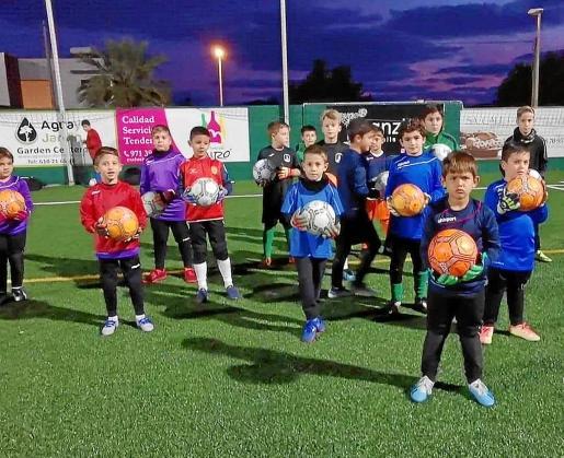 José María Berrocal es el impulsor y director de la academia de porteros Ibiza Goalkeepers Factory, que cada vez cuenta con un mayor número de integrantes.