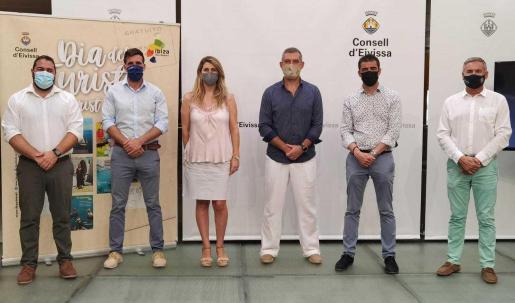 De izq. a dcha, Santi Marí, Miquel Tur, Desireé Ruiz, Juan Miguel Costa, Toni Ramon y Eduardo Sánchez.