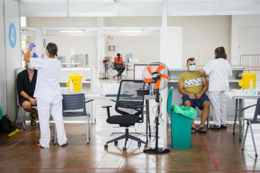 Jornada de vacunación de las terceras dosis en Ibiza.