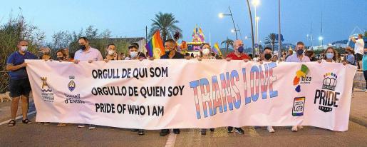 Imagen de la cabecera de la marcha celebrada este viernes en Ibiza.