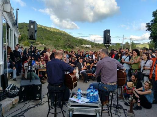 Imagen de la clausura de una edición anterior del festival, con actuación de Josele Santiago.