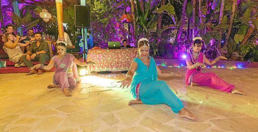 Las noches de Bollywood en Curry Club, en Sant Antoni, el gran éxito del verano.