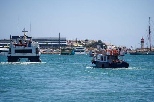 Embarcaciones con destino a Formentera.