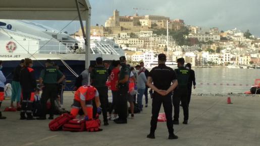 Imagen del puerto de Ibiza, tras las labores de rescate de Salvamento Marítimo de una patera a la deriva.