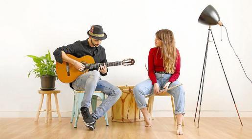 TéCanela lo componen el dúo formado por Jano Fernández y Ariadna Rubio.