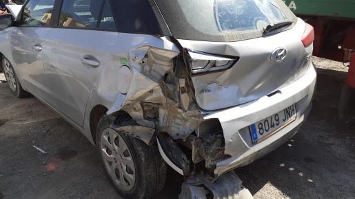 El accidente se produjo a primera hora de este martes en la carretera de Santa Eulària.