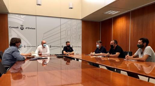 Reunión mantenida este martes en la sede del Consell de Ibiza.
