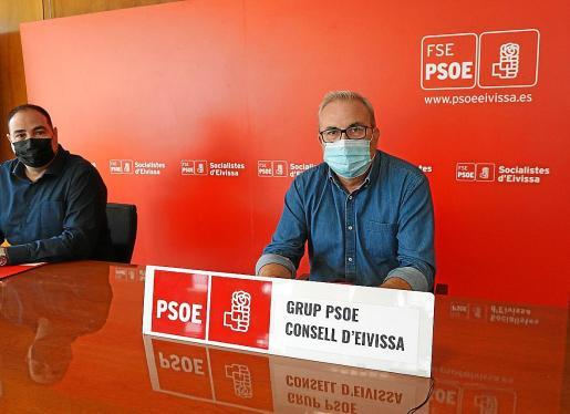 El portavoz socialista, Vicent Torres, ayer en rueda de prensa.