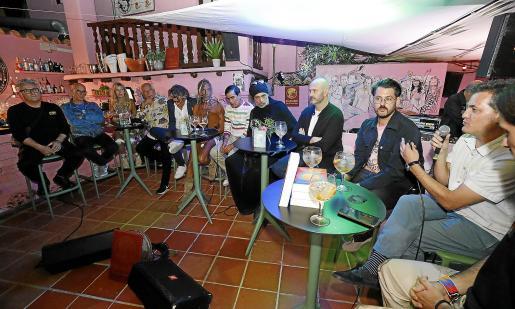 La presentación oficial del libro en Ibiza se celebró ayer por la tarde en el Pikes Hotel.