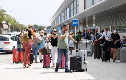 El gasto medio que ha realizado cada turista en las Islas este año se sitúa en los 1.175 euros, un dato por encima de la media estatal.