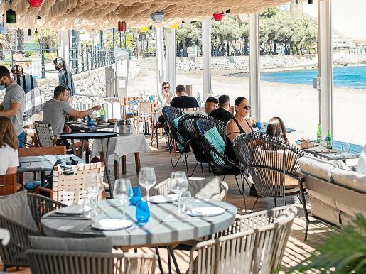 No te pierdas el último menú de verano de Chiringuito Blue, un viaje de sabores.