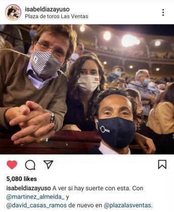 Instagram censura una foto de Ayuso en las Ventas por «violencia extrema».