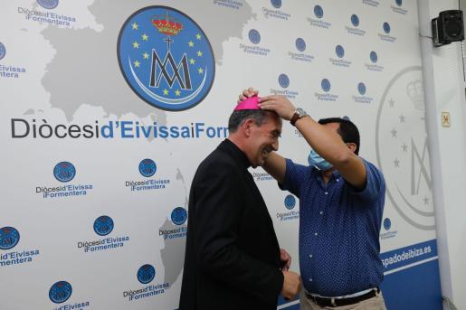 Vicent Ribas Prats, muy emocionado tras el anuncio público de que será el nuevo obispo de Ibiza y Formentera.