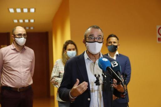 Juan Pedro Yllanes en una rueda de prensa.