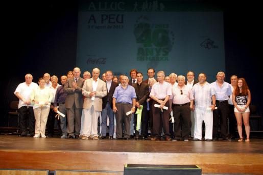 "Entrega primer galardón ""Tolo Güell a la mallorquinitat"" en el 40 Aniversario des Güell a Lluc a peu"