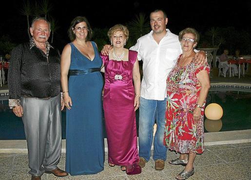 Sebastià Torrens, Cati Reynés, Cati Bordoy, Miguel Torrens Bordoy y Francisca Pujadas.