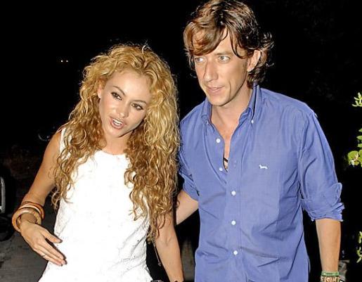 Paulina Rubio y su marido, Nicolas Vallejo-Nágera, en una de sus muchas visitas a Eivissa.