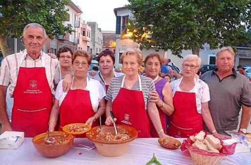 Sebastià Bruno Font, Emilia Jiménez, Margalida Ripoll, Mariana Torres, Maria Ripoll, Antònia Ferrer, Antònia Ramis y Maties Rosselló.
