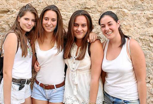Raquel Sastre, Joana Margalida Cladera, Maria Àngels Remola y Francina Pol.