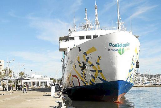El Posidonia, que realiza el enlace Eivissa-La Savina.