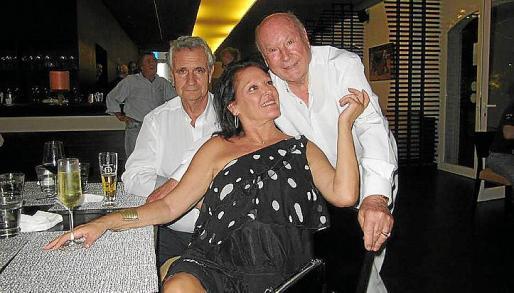 Isabel Lloret con Gabriel Roca y Onofre Prohens, maestro de Ponce.