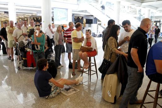 Foto de archivo del caos que se vivió en el aeropuerto de Palma en abril.