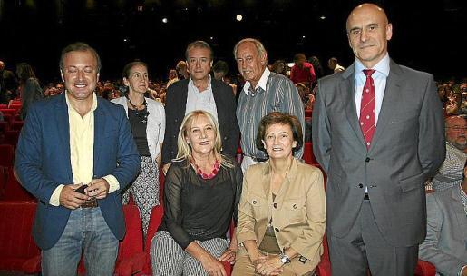 Juan Mesquida, Gela García de los Reyes, Manuel Caridad, Águeda Ropero,Rafael Feliu, María José Guerrero y Antonio Ortiz.