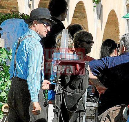 La empresa responsable del rodaje intenta llevar en secreto el trabajo de Wim Wenders que se realizó ayer en los exteriores del hotel Maricel, en Cas Català.