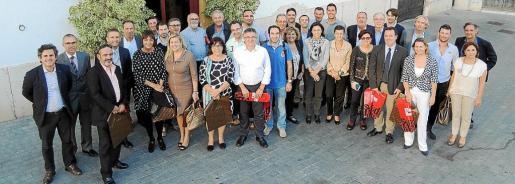 Todos los asistentes a la comida organizada por el Grup Serra en Inca con motivo del Dijous Bo.
