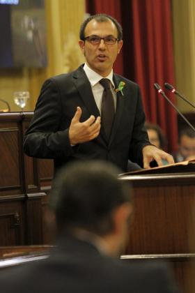 Biel Barceló, durante su intervención en el Parlament.