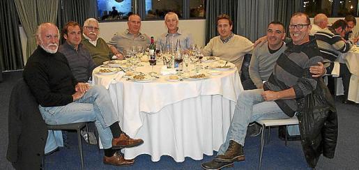 Enrique Herráez, Xisco Castelló, Pedro Calafat, Jesús Gómez, Juan C. Ruiz, Esteban de Miguel, Paco Carmona y Juan Farga.