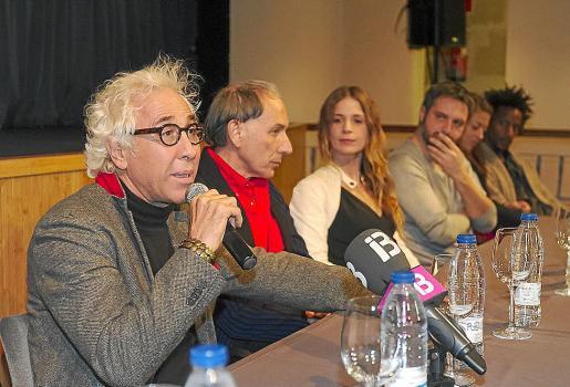 Deymier, Poncela, Silke, Francés, Ribalta y Couté, ayer, en el Teatro España.