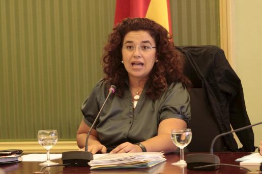 La consellera Pilar Costa, durante una comparecencia en la Comisión de Hacienda y Presupuestos.